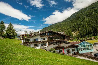 4* hotel v JUNS/ledovec Hintertux