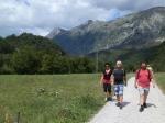 cesta od řeky Soča do Kobaridu