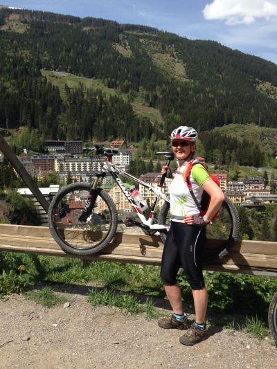 K alpským termálům na kolech
