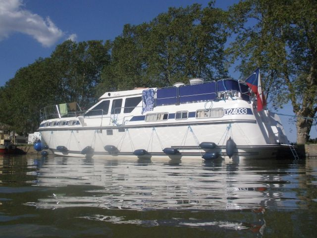 Canal du Midi na lodi a na kole pro uzavřenou skupinu 10 osob